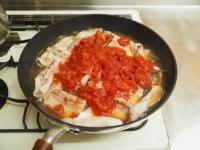 カンパチあらの塩トマト煮t07