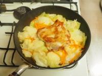 鶏もも肉とキャベツのフライパンt16