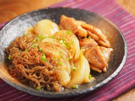 鶏ももと玉ねぎのすき焼き煮23