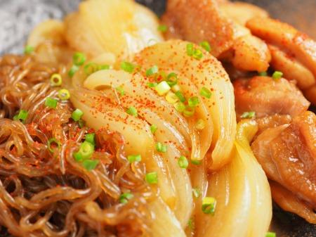 鶏ももと玉ねぎのすき焼き煮37
