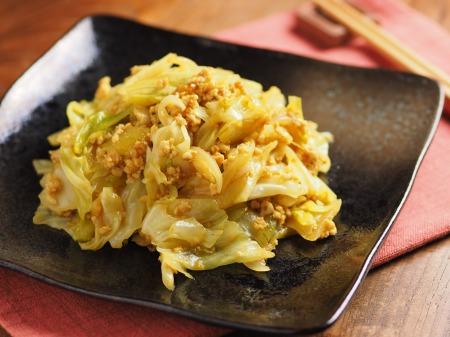 キャベツとひき肉のカレーマヨ炒24