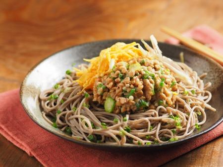 味噌味のオクラ納豆蕎麦23