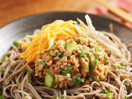 味噌味のオクラ納豆蕎麦20