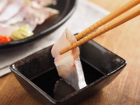 イシモチの刺身、炙り、湯霜22