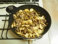砂肝とキノコの高菜炒め35