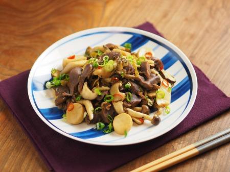 砂肝とキノコの高菜炒め46