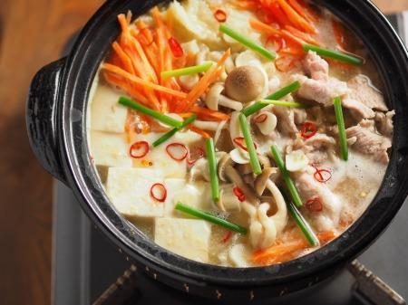 柔らか豚肉のにんにく味噌鍋22