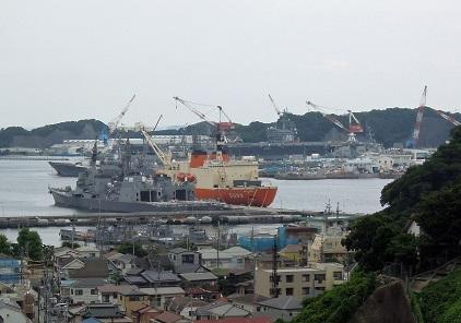 2016年終戦記念日の横須賀港