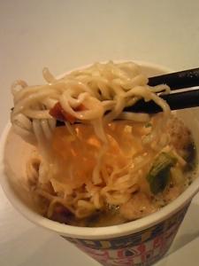「カップヌードル リッチ 贅沢だしスッポンスープ味」日清食品