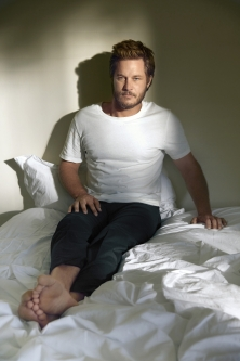 09 Travis Fimmel in Vikings (History Channel)