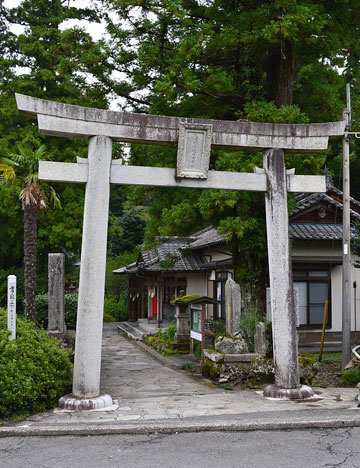 Unaguhime-jinja_toriib.jpg
