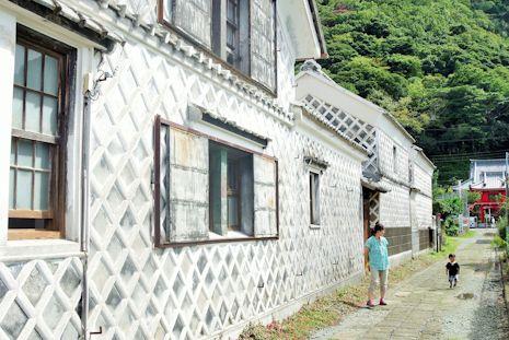 松崎のうろこ壁通り
