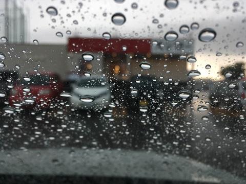 スシロー雨