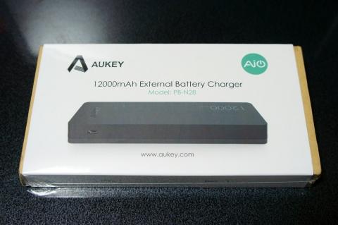aukey_mobilebattery_pb-n28_02.jpg