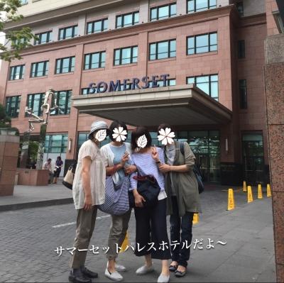 ホテルの前で♪( ´▽`)
