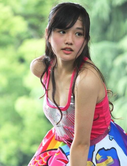 この15歳の画像でムラっとしたらロリコン確定 安藤咲桜