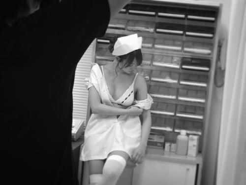 永尾まりや、ナース服で美バストあらわ 過激ショットに反響殺到「やばい、鼻血出そう」