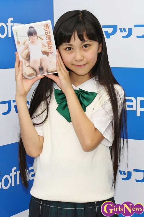 14歳中2モデル・須田理夏子のイメージ映像、「制服のシーンはお気に入り」