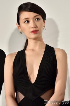 栗山千明さん(31)のエロ衣装