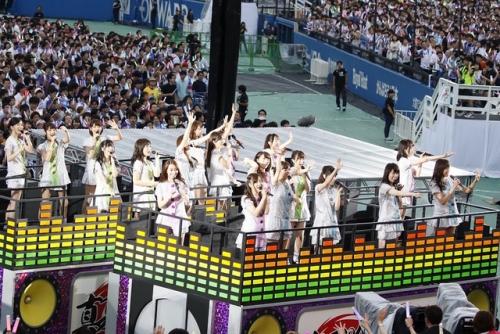 """乃木坂46 3万5000人魅了 明治神宮球場""""全曲ライブ""""3days開幕!"""
