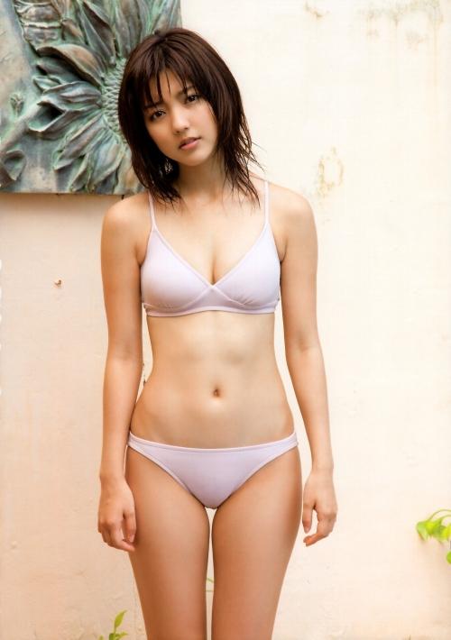 真野恵里菜 林修がフル勃起した美貌と隠れEカップ巨乳