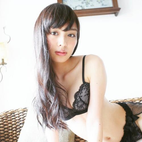 内田理央とかいう女めっちゃかわいいしクソ抜ける