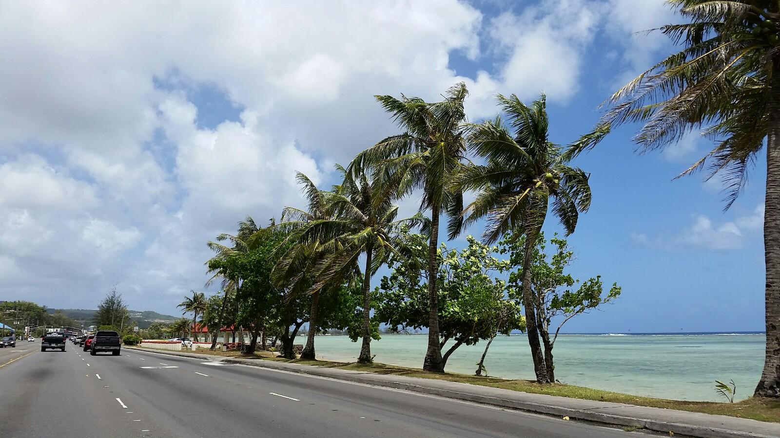 アメリカグアム海沿いの道路マリンドライブ