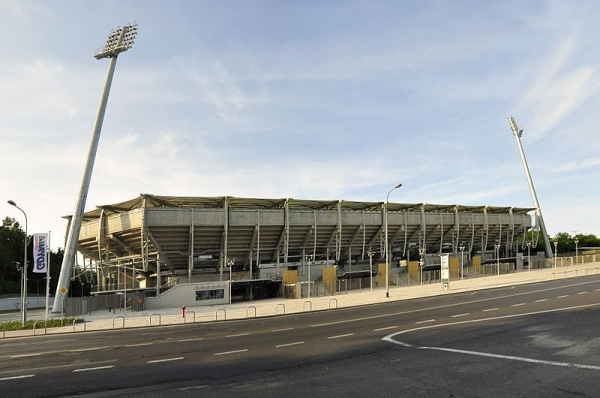 stadium0_20160704225038f24.jpg