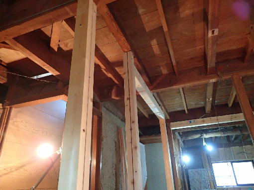 新たな柱と梁