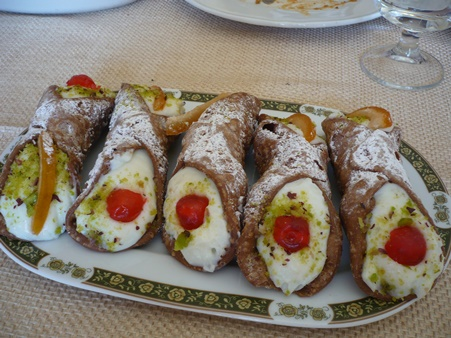rustichello cannolo