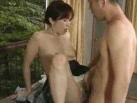 【ヘンリー塚本】不倫相手の男と廃屋の中で密会セックスする四十路妻!