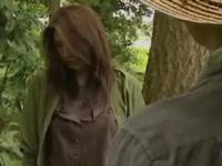 ヘンリー塚本 大塚美雪 田舎の農家の親父に声をかけられ人気のない山奥でセックスを始める人妻