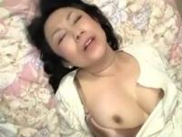 【五十路】青年ペニスにイキっぱなしの美巨乳おばさん