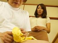 お母さんの下着で何してるの!?パンツの匂いを嗅いでオナニーしてる息子を目撃する母親 藤下梨花