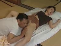 ヘンリー塚本 大沢萌 旦那の目を盗んで不倫相手とのセックスに感じまくる人妻