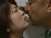 ヘンリー塚本 私は先生のおまんこ!先生がやりたいならどこでもまんこを出す女子生徒