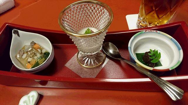志ぐれ煮/季節のゼリーよせ/野菜(玉葱)のムース