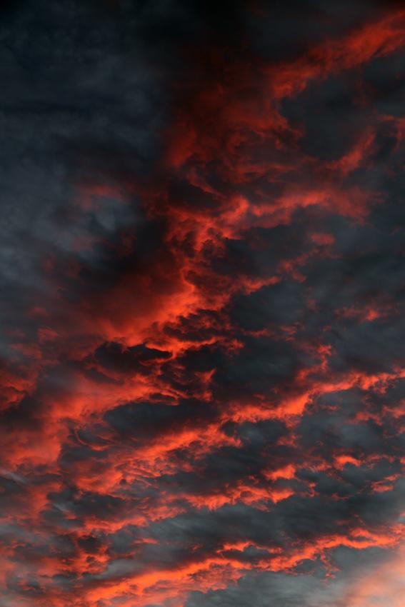 20160929夕陽に染まる雲1