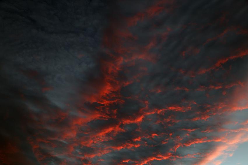 20160929夕陽に染まる雲2