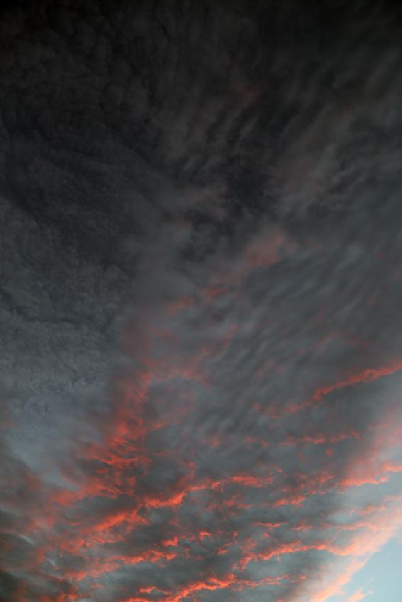 20160929夕陽に染まる雲3