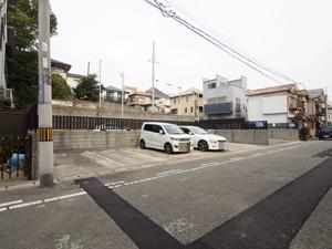 北谷ガレージ(いづみ商会)