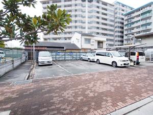 i駐車場(いづみ商会)