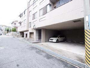 長田区の駐車場(ネオ)
