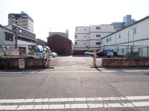 長田区の駐車場(桜)