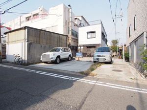 長田区の駐車場(上)