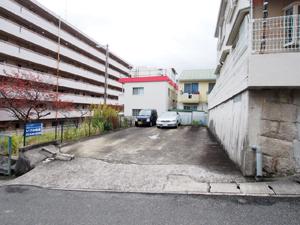 長田区の駐車場(清)