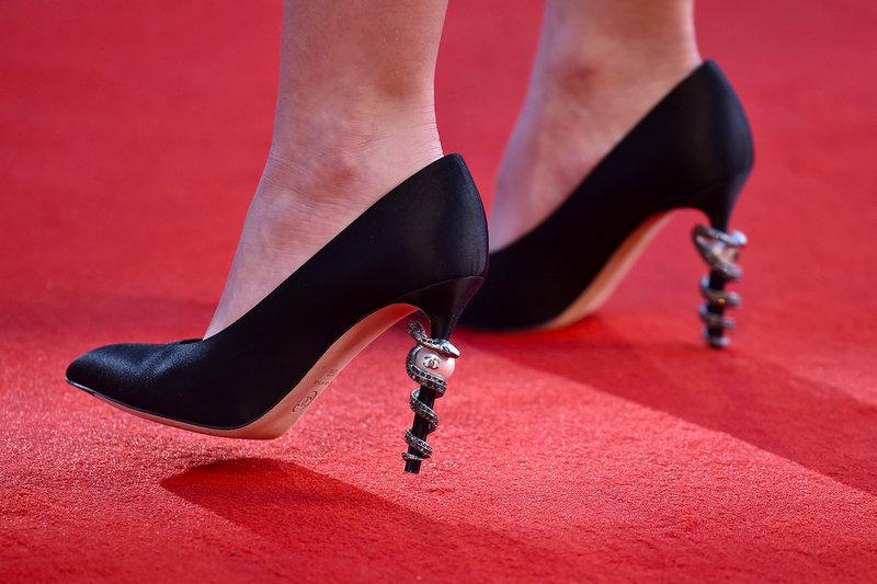 090816-lily-rose-depp-shoes.jpg