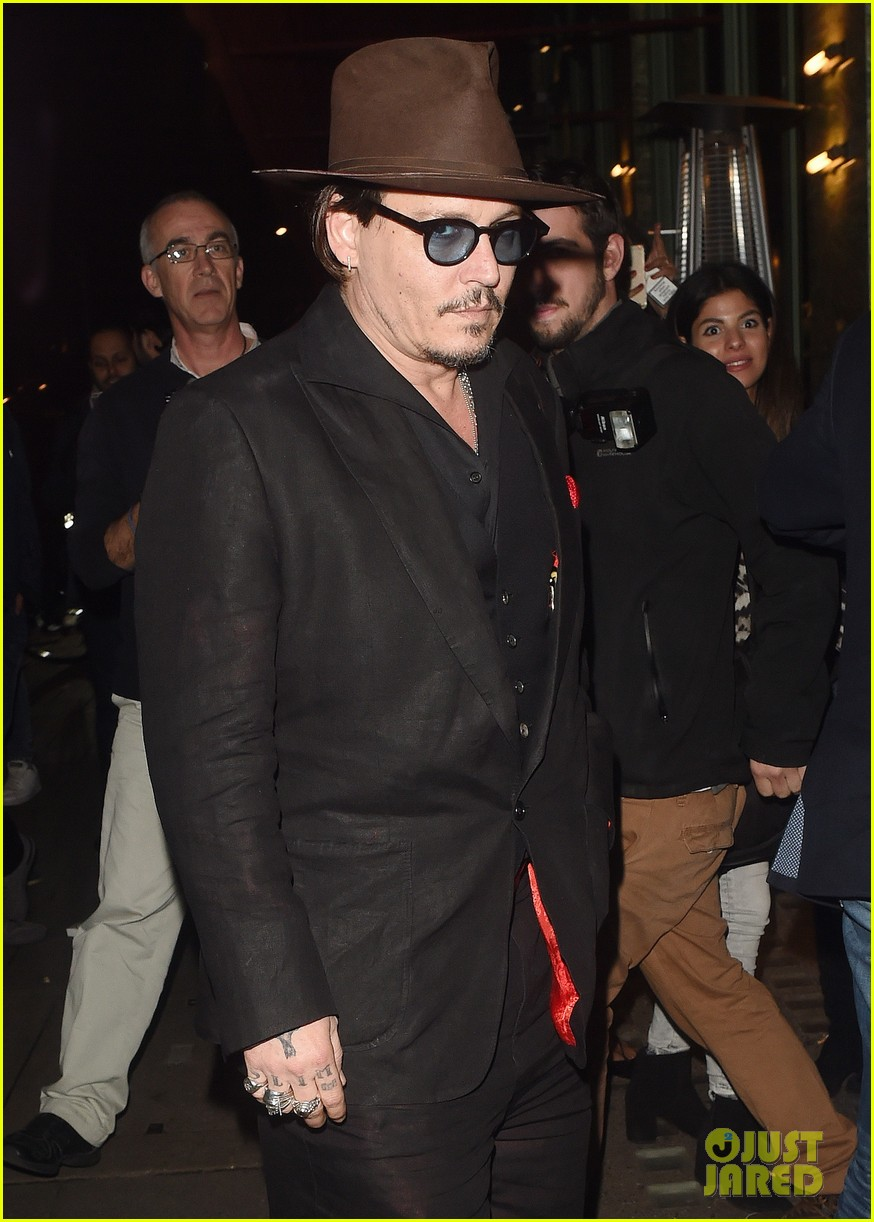 johnny-depp-sexy-fish-dinner-london-01.jpg