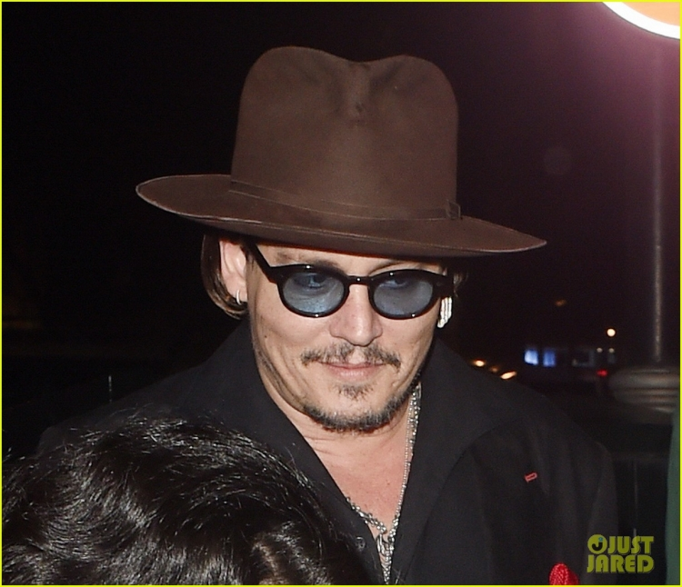 johnny-depp-sexy-fish-dinner-london-03.jpg
