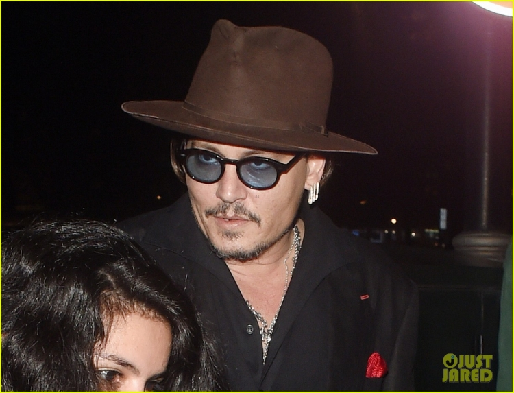 johnny-depp-sexy-fish-dinner-london-08.jpg